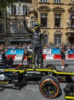 The roadshow of the Formula 1 Grand Prix de France with Renault F1 Team is a thrill for Salon-de-Provence